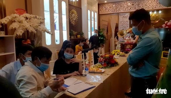 31 người khắp tỉnh thành có dịch tụ tập khai trương thẩm mỹ viện ở Bảo Lộc - Ảnh 3.