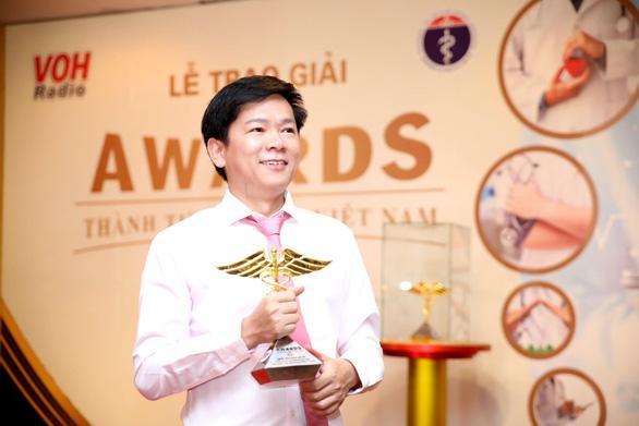 Bác sĩ Tú Dung nhận cúp vàng Thành tựu y khoa Việt Nam 2020 - Ảnh 2.