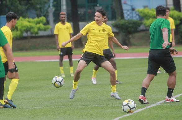 Cả đội tuyển Malaysia cùng đặt niềm tin vào tân binh Dion Cools - Ảnh 1.