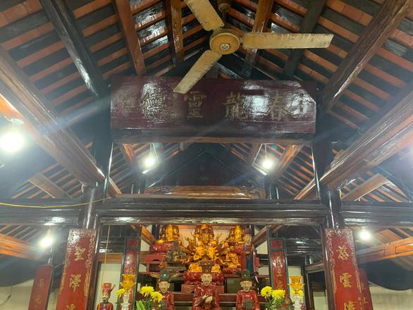 Đàm Vĩnh Hưng nói gì về dùng tiền quyên góp bà con vùng lũ đi sửa chùa ở Nghệ An? - Ảnh 1.