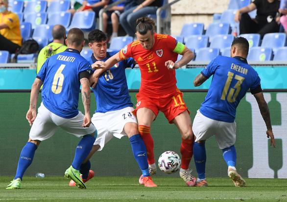 Ý và Xứ Wales đi tiếp ở bảng A, Thụy Sĩ phải chờ - Ảnh 1.