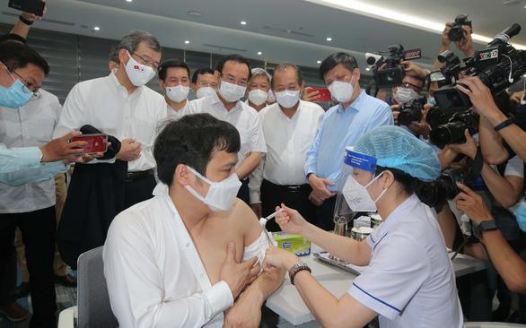 Quốc tế hỗ trợ Việt Nam chống dịch - Ảnh 1.