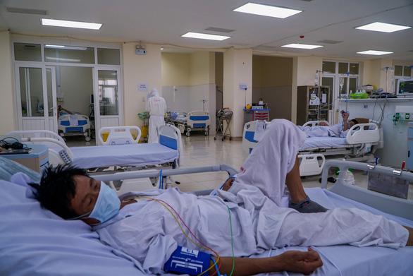 Thêm 2 người bệnh nền nặng qua đời liên quan COVID-19 - Ảnh 1.