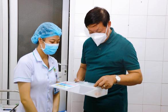 Thứ trưởng Bộ Y tế: Nghệ An cần nâng năng lực điều trị COVID-19 lên 500 ca - Ảnh 1.