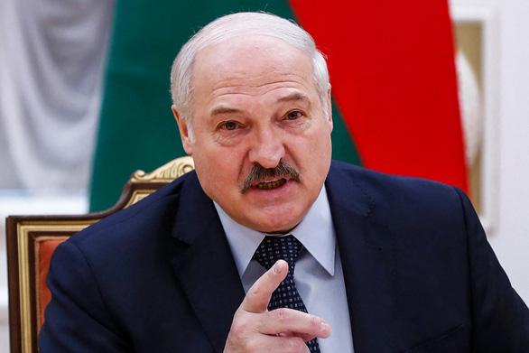 Mỹ, EU, Anh, Canada bắt tay trừng phạt Belarus - Ảnh 1.