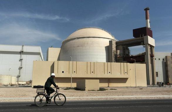 Iran lần đầu đóng cửa khẩn cấp nhà máy điện hạt nhân - Ảnh 1.
