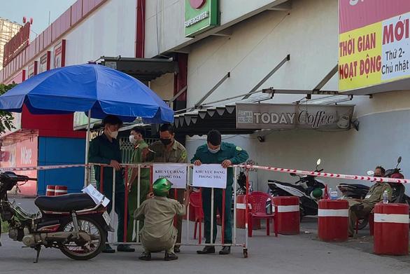 Xét nghiệm gần 800 người liên quan ca COVID-19 đến siêu thị Big C Đồng Nai - Ảnh 1.