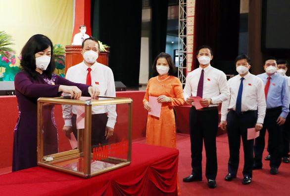 Chủ tịch HĐND và UBND tỉnh Bắc Ninh tái cử với số phiếu tuyệt đối - Ảnh 1.