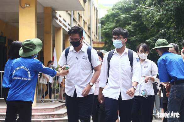 Hà Nội chỉ đạo đảm bảo an toàn cho 100.000 thí sinh thi tốt nghiệp - Ảnh 2.