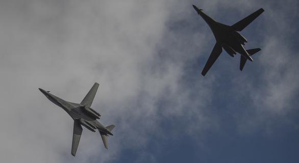 Hơn cả năm, báo Trung Quốc mới khoe chuyện chặn được máy bay Mỹ - Ảnh 3.