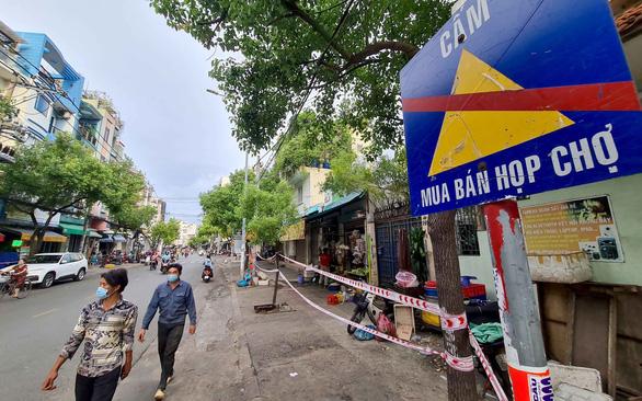 Quán xá TP.HCM đóng cửa như tết, Hà Nội tưng bừng lại - Ảnh 1.
