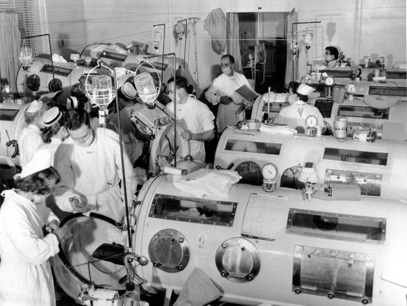 Virus dịch bệnh - cuộc chiến xuyên thế kỷ của loài người - Kỳ 2: Cái giá cuộc chiến chống bại liệt - Ảnh 1.