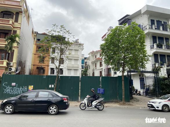 Vụ 'nhà phố 4 tầng hầm': Bộ Xây dựng yêu cầu Hà Nội báo cáo trước ngày 25-6 - Ảnh 2.