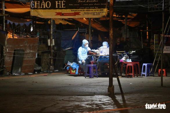 TP.HCM: Phong tỏa, lấy mẫu xét nghiệm diện rộng ở chợ Sơn Kỳ - Ảnh 4.