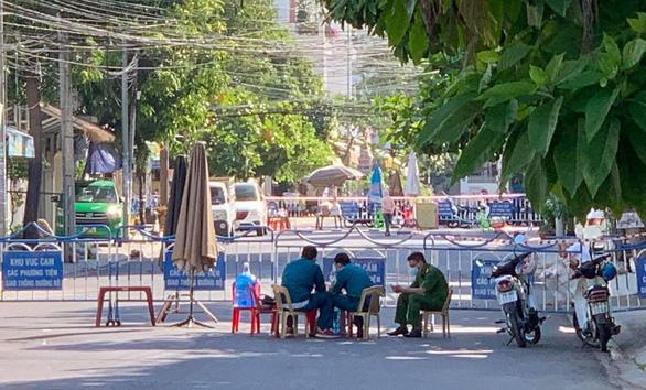 Nha Trang phong tỏa các nơi liên quan chủ quán cơm ở Phú Yên - Ảnh 1.