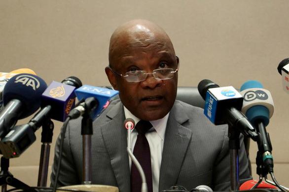 Giám đốc CDC châu Phi tuyên bố thua cuộc trước COVID-19 - Ảnh 1.