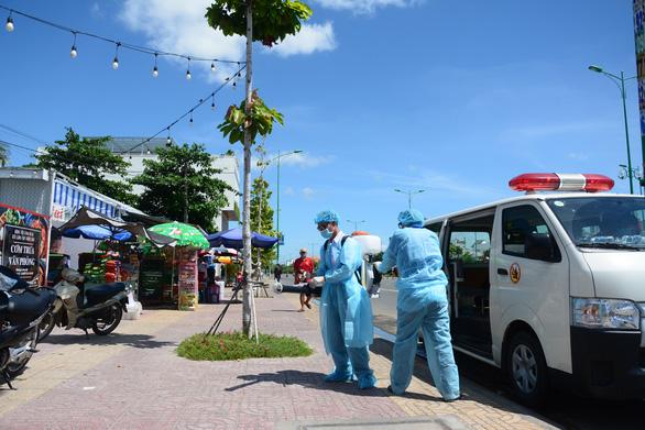 Bình Thuận dừng hoạt động Trung tâm y tế huyện Tuy Phong do có ca nghi mắc COVID-19 - Ảnh 1.