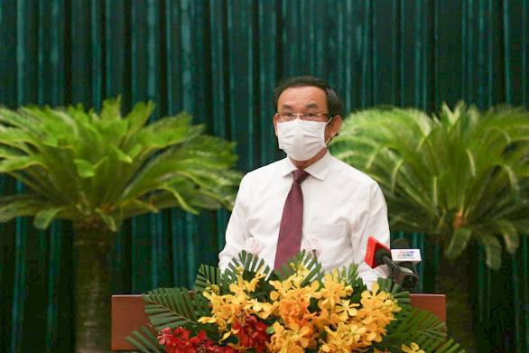 Bí thư Thành ủy TP.HCM: Cố gắng tối đa không để người lao động lâm vào khó khăn cùng cực - Ảnh 2.