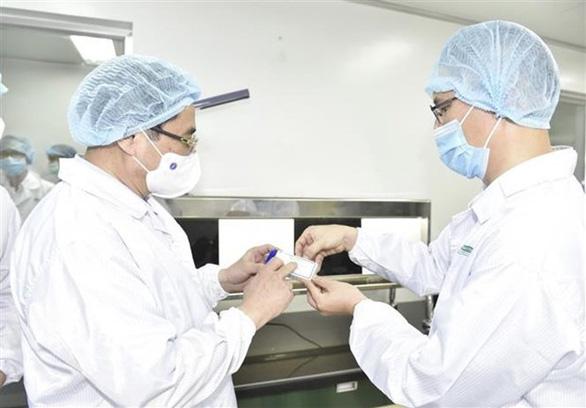Thủ tướng Phạm Minh Chính: Chậm nhất tháng 6-2022 phải có vắc xin COVID-19 sản xuất trong nước - Ảnh 1.