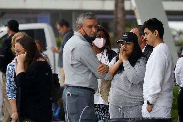 Mỹ chạy đua với thời gian cứu các nạn nhân vụ sập chung cư ở Miami - Ảnh 1.