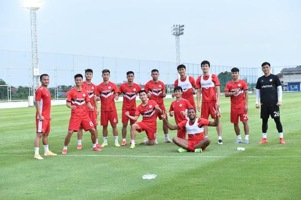 Hôm nay, Viettel đụng độ nhà vô địch châu Á Ulsan Hyundai - Ảnh 2.