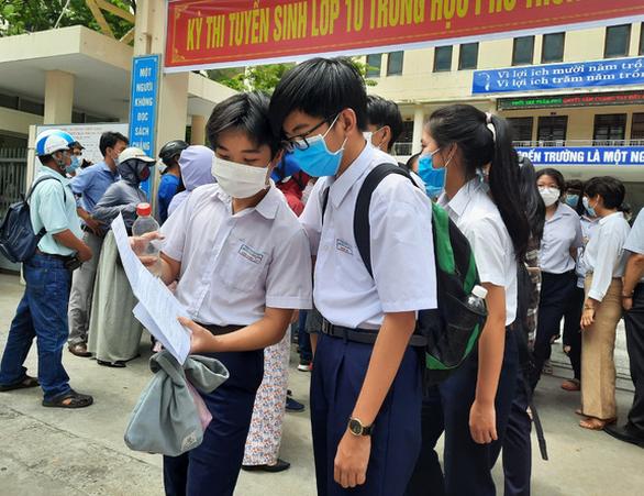 Thi vào lớp 10 tại Đà Nẵng: Trên 50% bài thi toán điểm trên trung bình, chỉ có 3 điểm 10 - Ảnh 1.