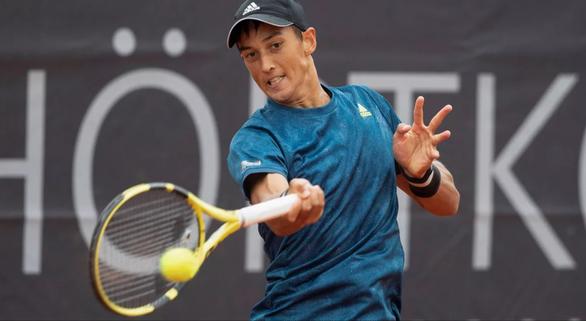 Tay vợt gốc Việt loại tay vợt số 1 Trung Quốc ở Wimbledon - Ảnh 1.