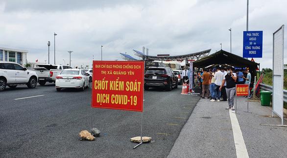 Quảng Ninh yêu cầu giám đốc Sở Giao thông vận tải kiểm điểm trách nhiệm quản lý vận tải khách - Ảnh 1.