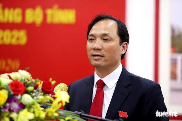 Ông Hoàng Trung Dũng tái đắc cử chủ tịch HĐND tỉnh Hà Tĩnh - Ảnh 1.