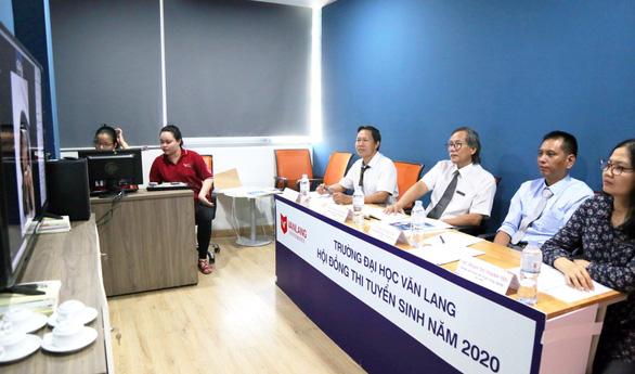 Đại học Văn Lang tiếp tục tổ chức đa dạng hình thức thi tuyển sinh năng khiếu 2021 - Ảnh 2.