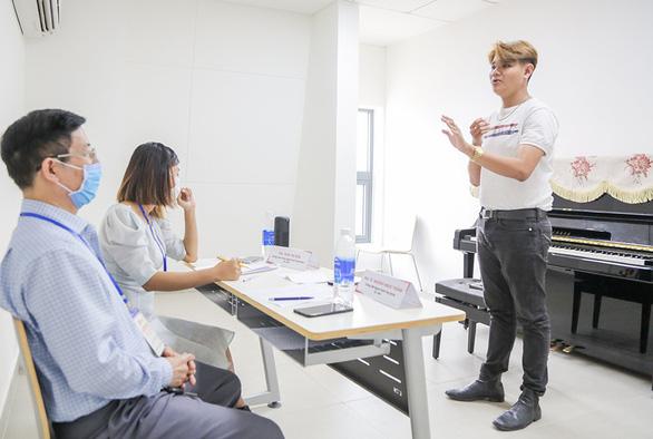 Đại học Văn Lang tiếp tục tổ chức đa dạng hình thức thi tuyển sinh năng khiếu 2021 - Ảnh 3.