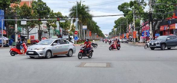 Cần Thơ: Xe khách, taxi không được đến Kiên Giang - Ảnh 1.