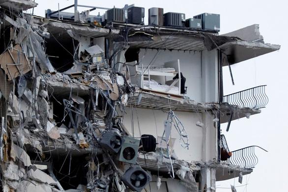 Tòa nhà 12 tầng bị sập ở Mỹ đã bị lún nhiều năm - Ảnh 2.