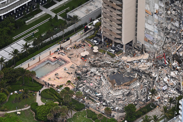 Tòa nhà 12 tầng bị sập ở Mỹ đã bị lún nhiều năm - Ảnh 1.