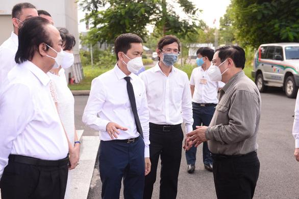 Thủ tướng làm việc với công ty kiến nghị cấp phép khẩn vắc xin Nano Covax - Ảnh 2.
