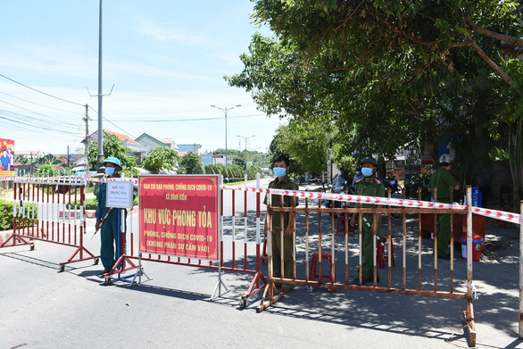 Người giữ xe ở chợ tại Phú Yên mắc COVID-19 - Ảnh 1.