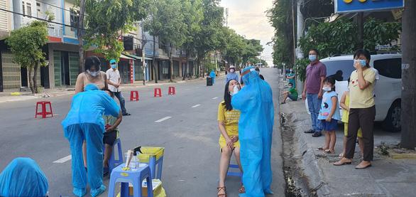 Từ 0h ngày 27-6, toàn tỉnh Phú Yên giãn cách xã hội theo chỉ thị 15 - Ảnh 2.