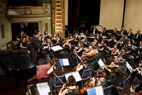 Buổi hòa nhạc quốc tế đầu tiên của nhạc trưởng Lê Phi Phi sau khi khỏi COVID-19 - Ảnh 4.