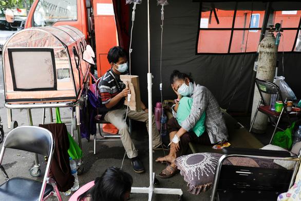 Siem Reap thành điểm nóng của Campuchia, ổ dịch ngay tại chợ - Ảnh 1.