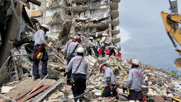 فاجعه سقوط یک ساختمان 12 طبقه در ایالات متحده: هشدار 3 سال پیش نادیده گرفته شد - عکس 2.
