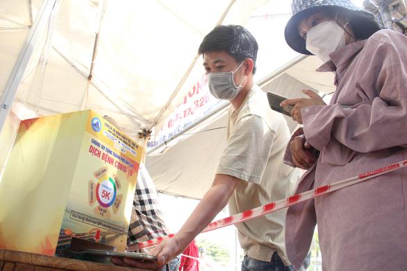 Đà Nẵng ủng hộ TP.HCM 10 tỉ đồng chống dịch COVID-19 - Ảnh 1.