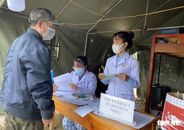 Diễn biến dịch ngày 26-6: Lâm Đồng tạm dừng thêm một số dịch vụ, Hải Phòng xét nghiệm 20.000 người - Ảnh 3.