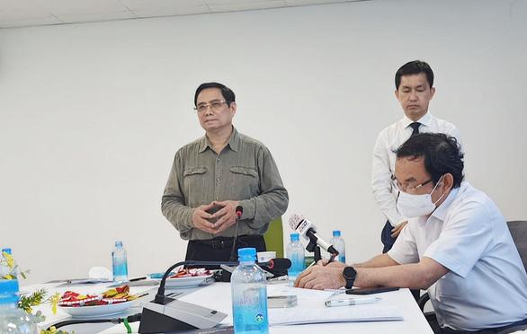Thủ tướng làm việc với công ty kiến nghị cấp phép khẩn vắc xin Nano Covax - Ảnh 1.