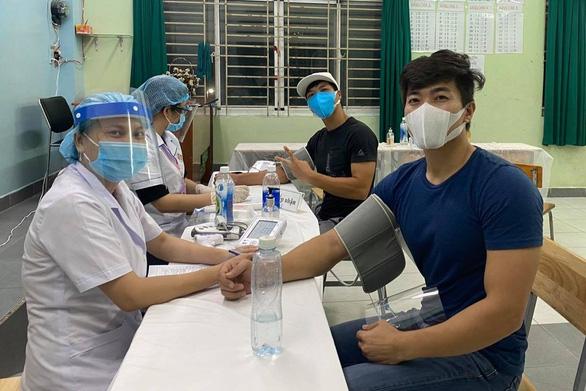 HHen Niê, Mai Phương Thúy, Mâu Thủy... tham gia điều phối tiêm vắc xin COVID-19 - Ảnh 5.