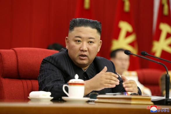 Người dân Triều Tiên đau lòng khi ông Kim Jong Un giảm cân - Ảnh 3.