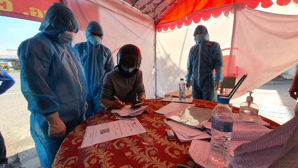 Đồng Nai kêu gọi khai báo y tế vì 6 người nghi mắc COVID-19 từng đến chợ đầu mối Hóc Môn - Ảnh 1.