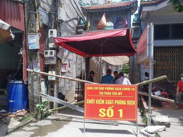 Vợ tài xế đường dài mắc COVID-19, Hưng Yên phong tỏa công ty 4.000 người - Ảnh 1.