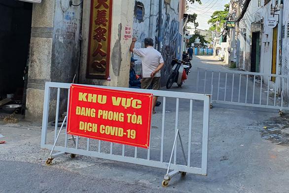 Biên Hòa đề xuất tạm dừng chợ tự phát sau ca nghi nhiễm liên quan chợ Hóc Môn - Ảnh 2.