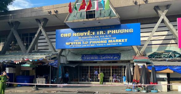 Tìm người từng đến chợ Nguyễn Tri Phương do có ca COVID-19 - Ảnh 1.