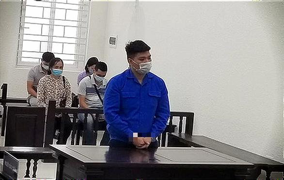 Cựu trung úy công an bị 30 tháng tù vì thử súng làm chết nam sinh viên - Ảnh 1.